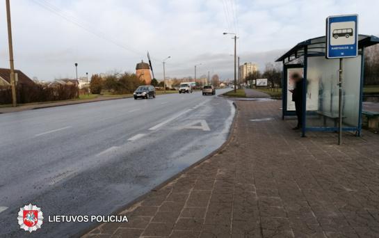Pareigūnai prašo pagalbos: ieškomi mačiusieji, kaip autobuse griuvo ir susižalojo panevėžietė