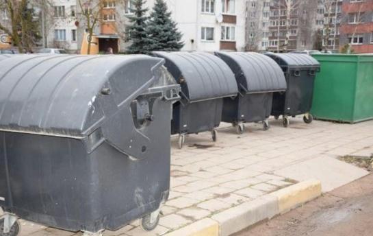 Prašo biržiečių neužstatyti automobiliais atliekų konteinerių