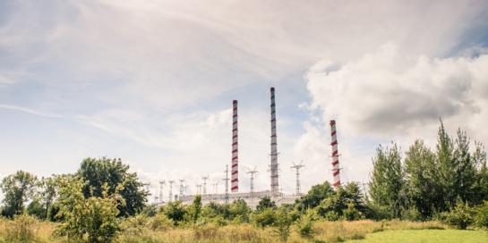 Pasirašyta sutartis dėl dviejų nenaudojamų kaminų Elektrėnų komplekse griovimo