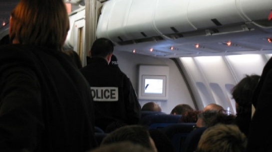 Skrydis su deportuojamu lietuviu – priminė siaubo filmą