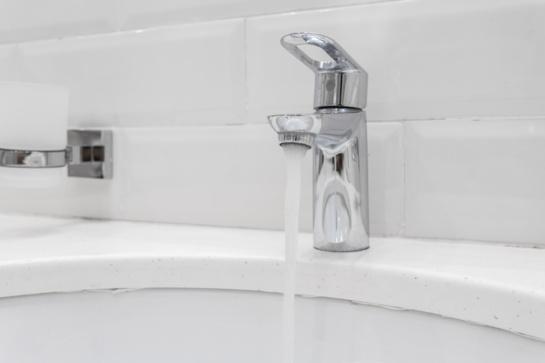 Dėl hidraulinių bandymų stabdomas karšto vandens tiekimas