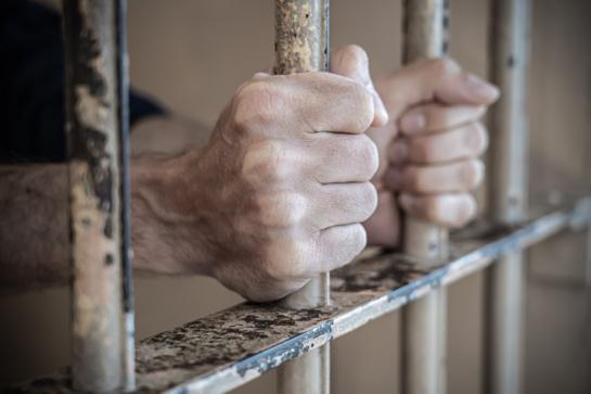 Pagaliu gulintį žmogų uždaužiusiam panevėžiečiui išeiti į laisvę anksčiau laiko nepavyko