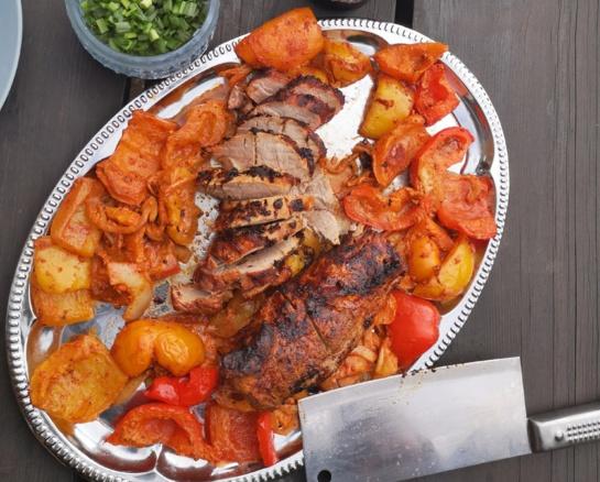 Naujas grilio patiekalas - išpjova su daržovėmis (vaizdo medžiaga)