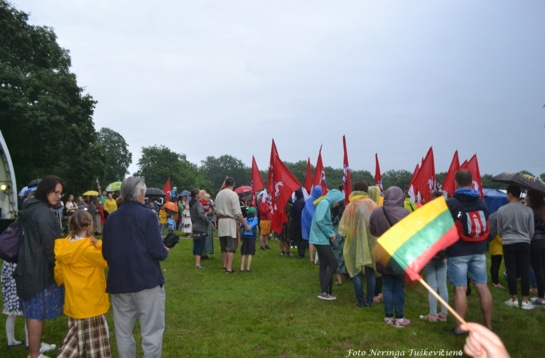 Lietuvius suvienijo tradicija – liepos 6 d. giedamas himnas