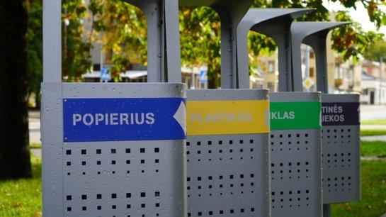 Iškreiptų veidrodžių karalystė: savivaldybėms svyra rankos tariantis dėl pakuočių atliekų tvarkymo, nors oficialiai Lietuva – šios srities lyderė