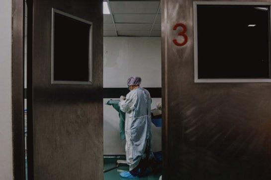 PSO: prasidedantis vakcinavimas nereiškia, kad COVID-19 krizė baigėsi