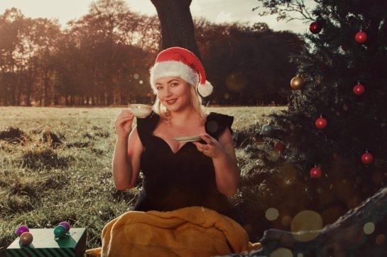 """Airijoje gyvenanti atlikėja Raimonda pristato kalėdinę dainą """"Stebuklų metas"""""""