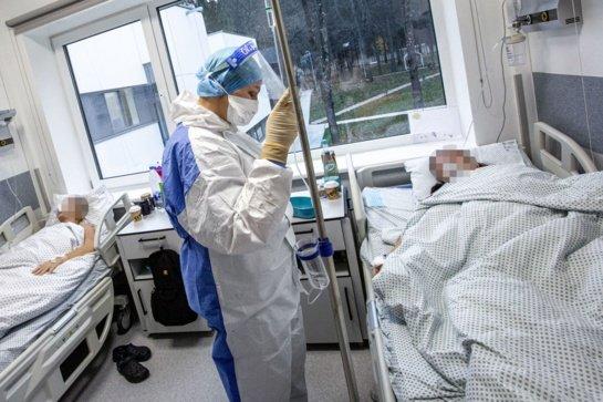 Ligoninėse gydomi 1707 COVID-19 pacientai, 126 iš jų – reanimacijoje