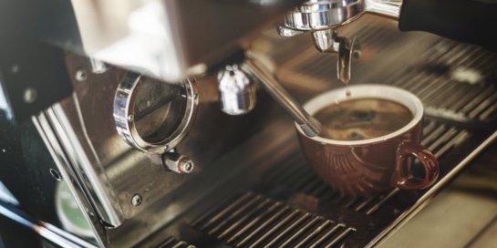 Kaip gaminama kava be kofeino?