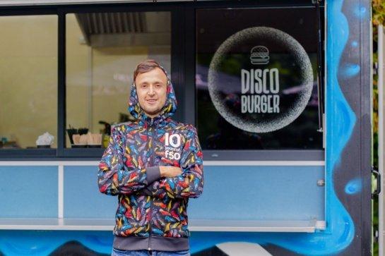 """Ar greitas maistas visada nesveikas? """"Disco Burger"""" savininkas Mantas Mačiuta griauna šį mitą"""