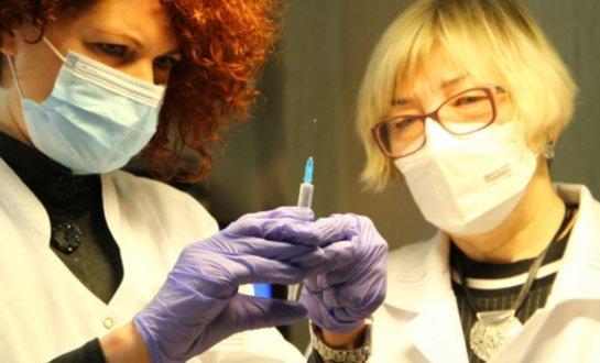 Socialinės globos įstaigose baigta vakcinacija pirmuoju COVID-19 skiepu