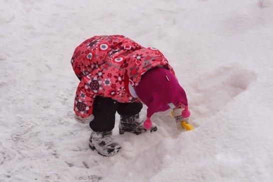 Atkeliavo žiema: 5 gudrybės kaip tinkamai aprengti vaikus