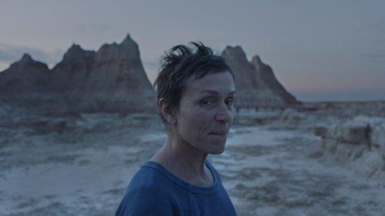 """Filmo apžvalga: """"Klajoklių žemė"""" (2020)"""