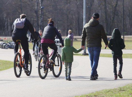 Lietuvoje – 1088 nauji COVID-19 atvejai, 7 žmonės mirė