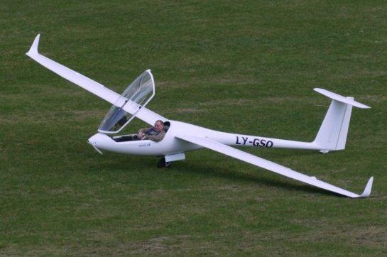 Motorizuotas trumpasparnis užkariauja pasaulį