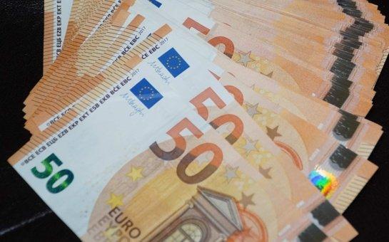 Nepažįstamas asmuo Vilniuje iš vyro išviliojo 22 tūkst. eurų