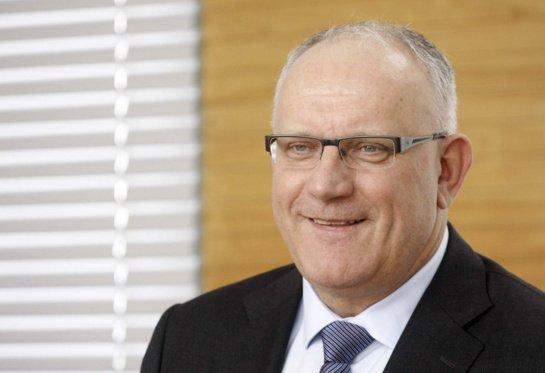 """""""Socialdarbiečiai"""" išsirinko naują pirmininką: partijai vadovaus J. Pinskus"""