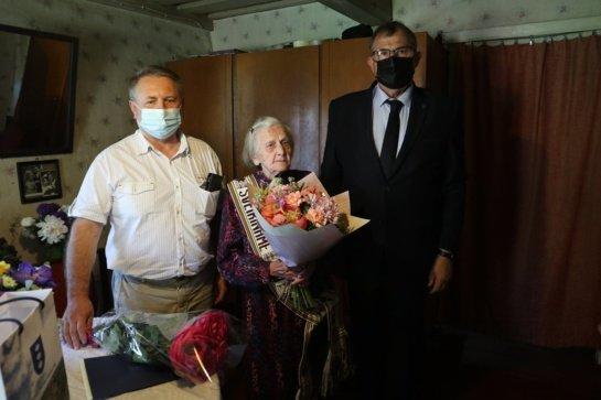 Pasveikinta šimtametė Kėriškės kaimo gyventoja