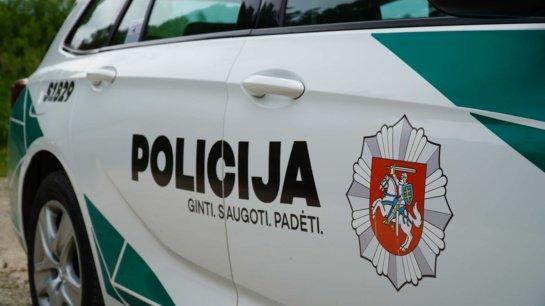 Vilniuje išardžius sieną apvogta parduotuvė