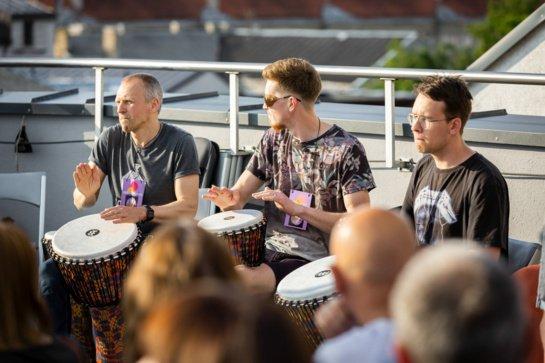 """Stogų apsuptyje skambės būgnai – vyksta jaunimo muzikos festivalis """"Šiauliai gyvai"""""""
