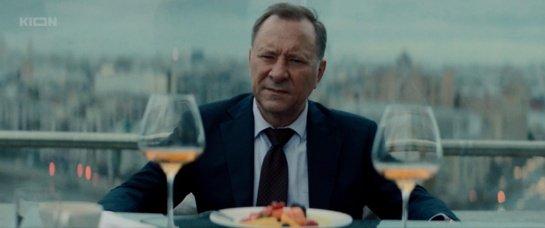 """Serialo apžvalga: """"Khrustalnyy"""" (2021)"""