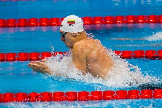 Pirmoji diena olimpiniame baseine: 13-oji vieta vieną džiugino, kitą liūdino