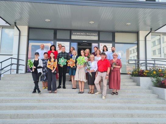 Pasveikinti puikiai egzaminus išlaikę Akmenės rajono abiturientai ir jų mokytojai