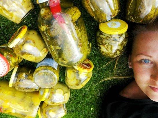 Marinuoti agurkėliai bulgariškai: saldžiarūgščiai ir neįtikėtinai traškūs