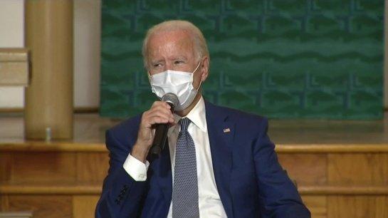 J. Bidenui bus suleista COVID-19 vakcinos sustiprinančioji dozė