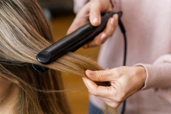 Kaip išsirinkti plaukų tiesintuvą?