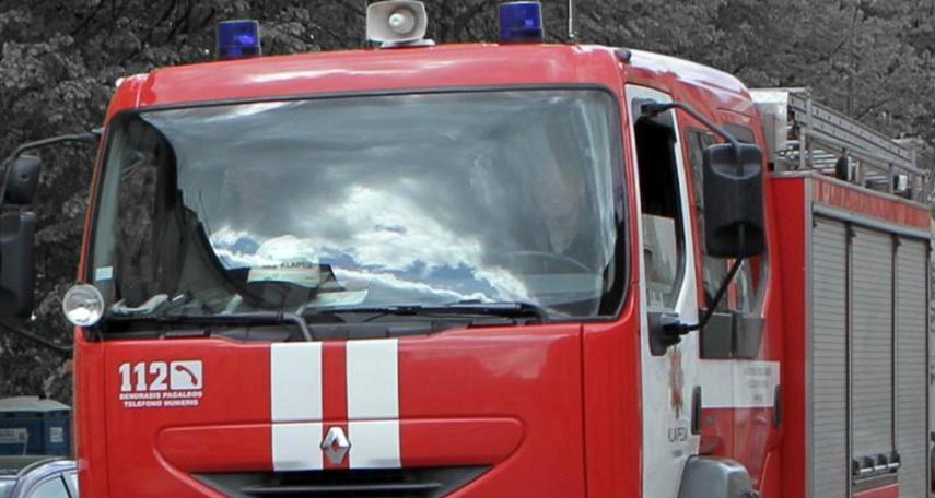 Mažeikiuose ugniagesių automobilis sukėlė avariją