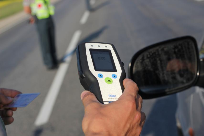 Panevėžio rajone neblaivi vairuotoja nesuvaldė automobilio