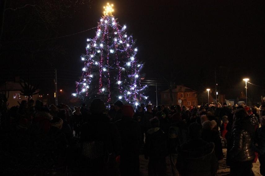 Kalėdinės eglės įžiebimo šventė Kalvarijoje