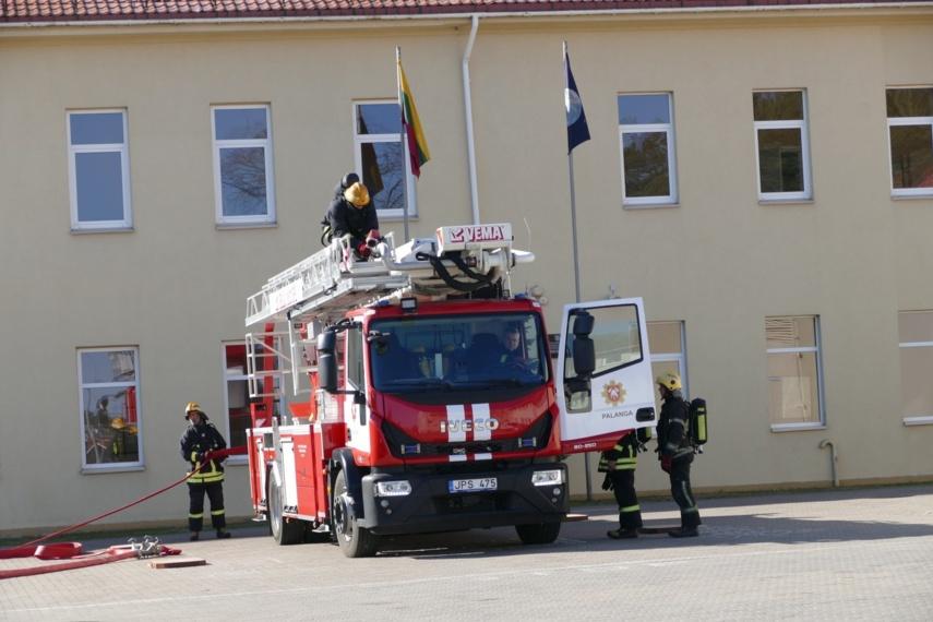 Šventosios pagrindinėje mokykloje surengtos evakuacijos pratybos