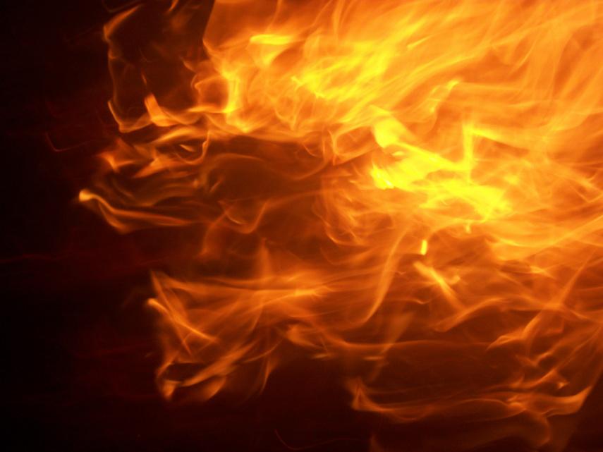 Šėtoje degė daržinė