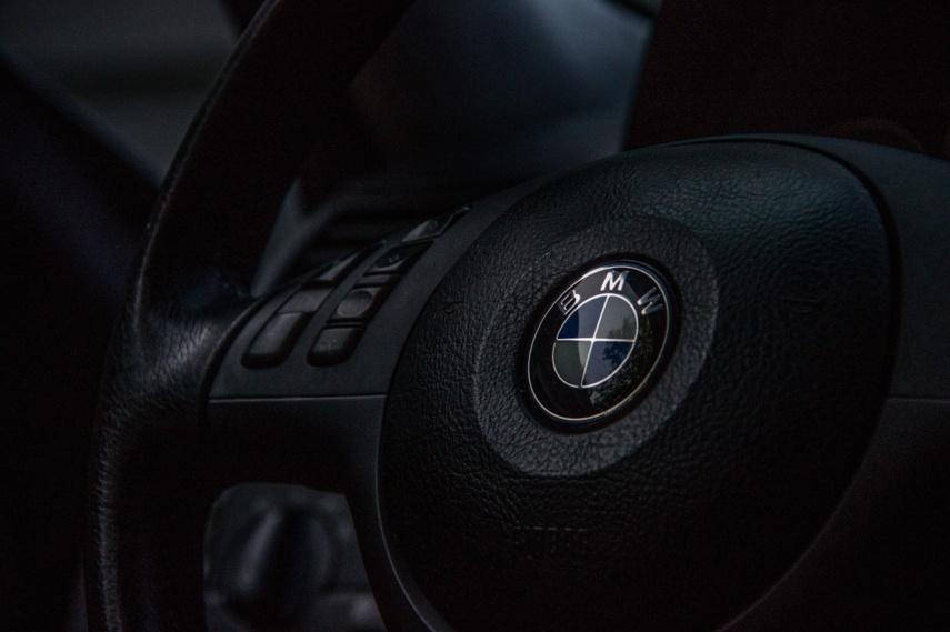 Jonavoje degė BMW