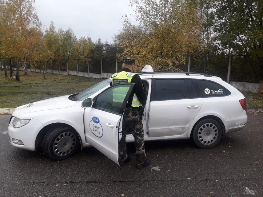 Latvis taksistas per Lietuvos sieną bandė išgabenti du neteisėtus migrantus