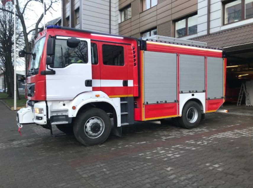 Į gaisrus ugniagesiai netrukus skubės naujais automobiliais