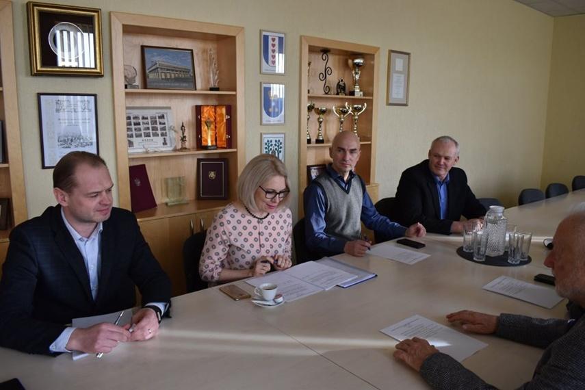 Nuspręsta kas bus Mažeikių rajono savivaldybės garbės pilietis