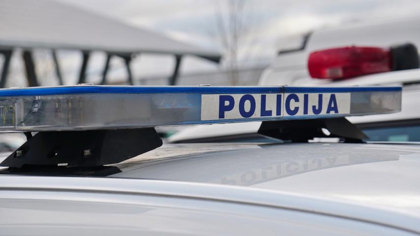 Policija įspėja saugotis sukčių ir vagių