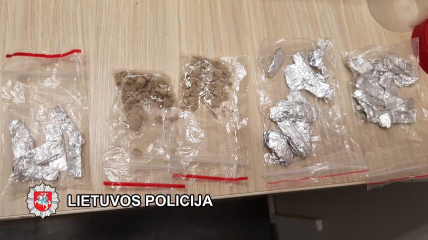 Jurbarko rajone automobilyje rasta galimai narkotinė medžiaga