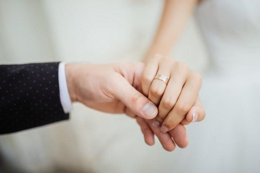 Koronavirusas pakoregavo ir santuokas: Panevėžyje susituokė net trečdaliu mažiau porų nei pernai