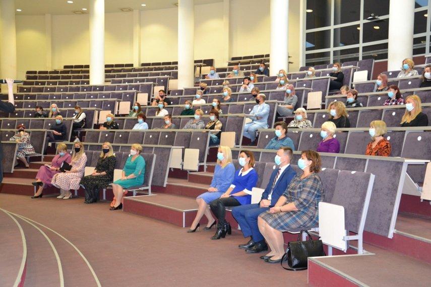 Su profesine diena iškilmingai pasveikinti Vilniaus rajono socialiniai darbuotojai