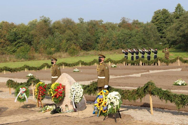 Macikuose pašventinta perlaidotų karo belaisvių palaikų kapavietė