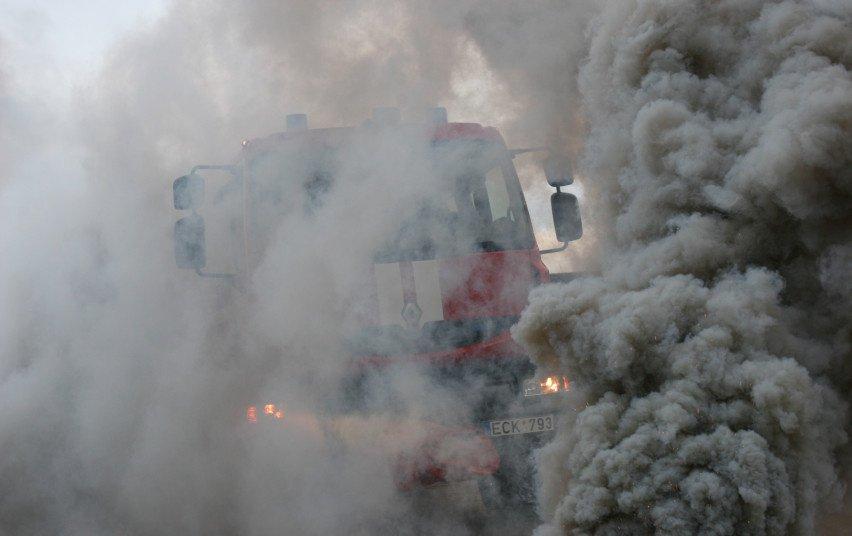Prienų rajone pranešta apie degantį namą