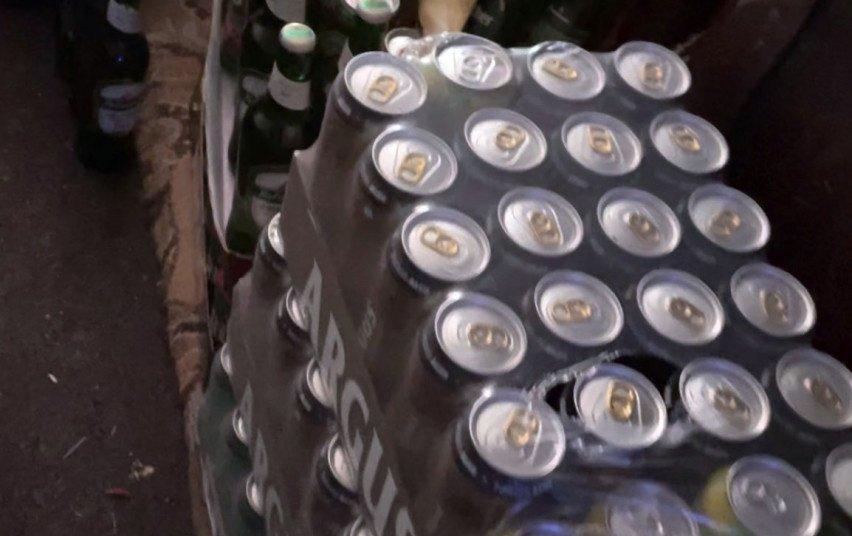 """Aklės kaime policija aptiko alkoholio """"tašką"""" (vaizdo įrašas)"""
