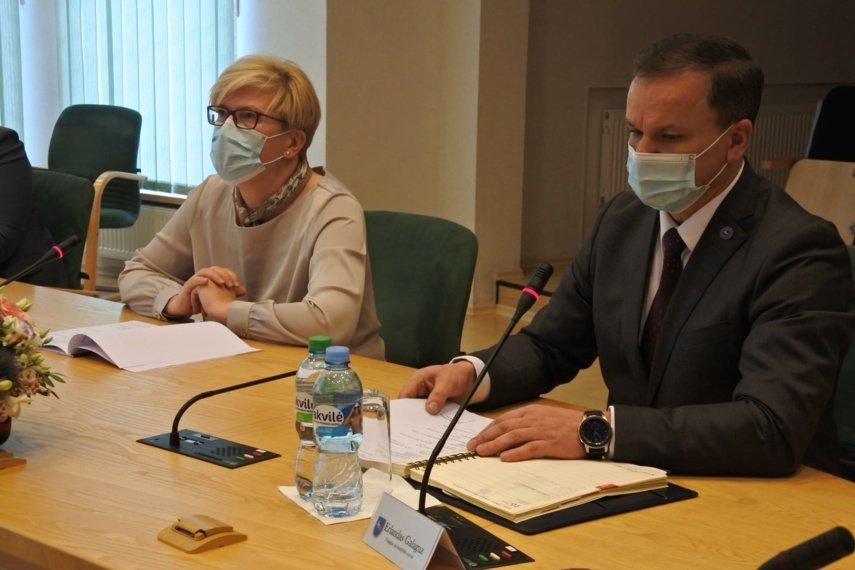 Visagino meras po susitikimo su I. Šimonyte: mūsų gyventojus apie skiepus reikėtų informuoti rusų kalba