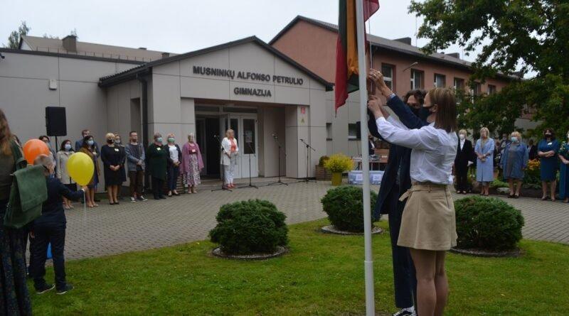 Į kontaktinį mokymą grįžo vieninteliai Musninkų A. Petrulio gimnazijos 5-6 klasių moksleiviai
