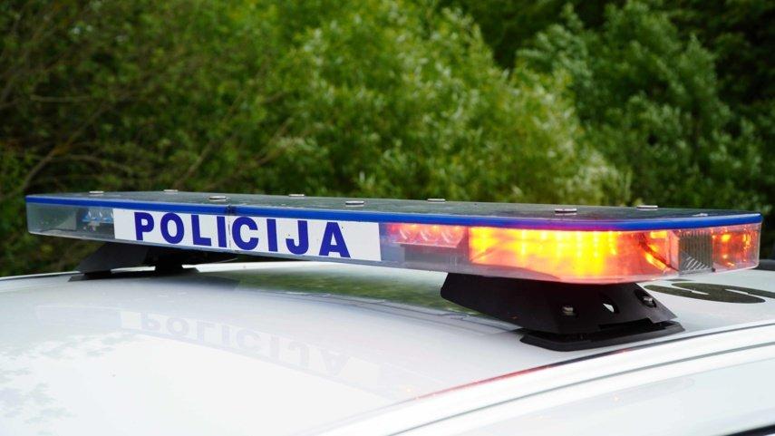 Praėjusi para Biržų rajone: neblaivus vairuotojas ir alkoholio vagystė