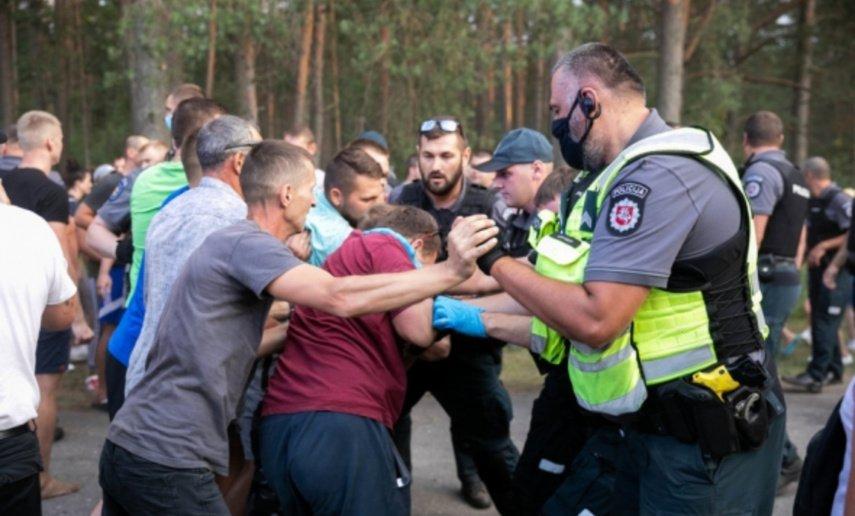 Aistros nerimsta: Rūdninkuose valdžios atstovai tariasi su bendruomene dėl migrantų apgyvendinimo